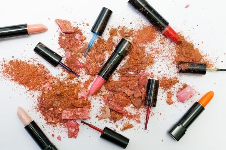 causes of high estrogen levels cosmetics