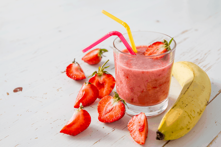 strawberry banana smoothie with water