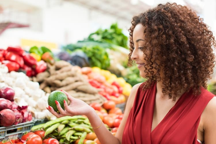 How To Eat Clean On A Budget: 22 Tips For When You're Broke