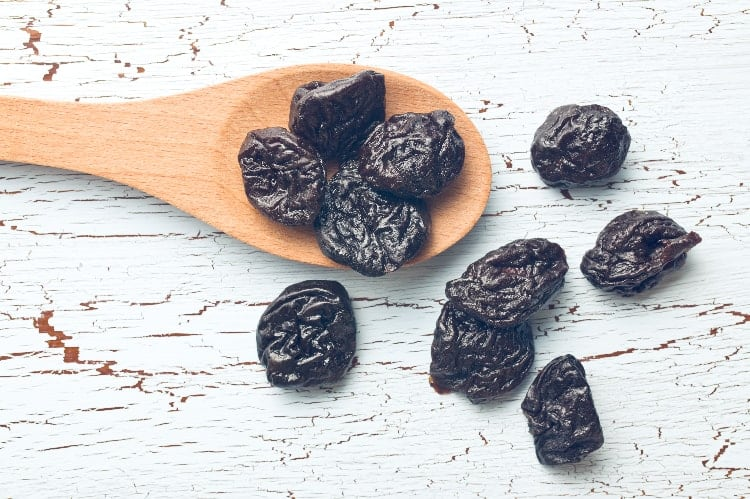 prunes as one of the best foods to eat for iron deficiency