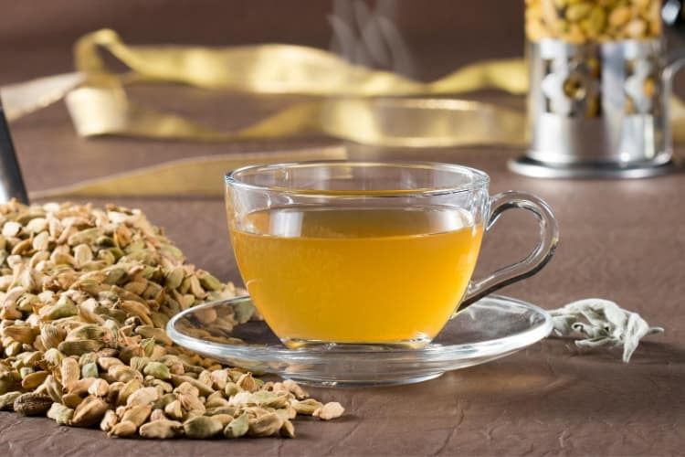 teas to drink for period cramps fennel