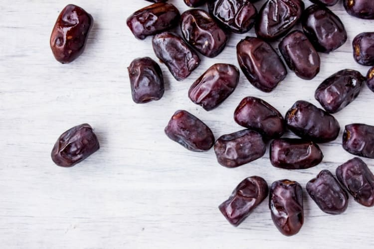 can dates increase iron