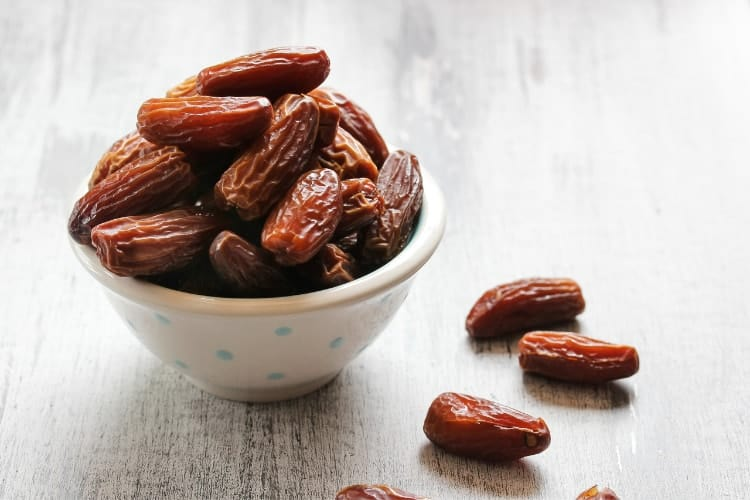 which dates are best for hemoglobin deglet medjool