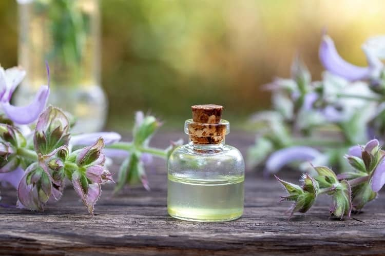 what does clary sage oil help with
